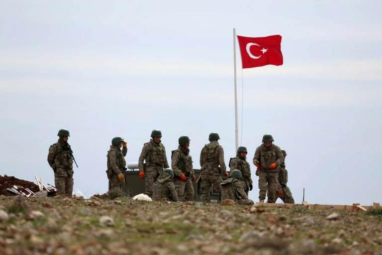 Photo of الاحتلال التركي يحشد قواته عند الحدود السورية