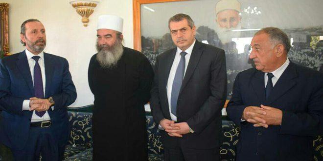 Photo of بمناسبة عيد الأضحى.. وفد وزاري يزور فعاليات دينية واجتماعية في السويداء