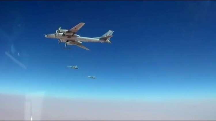 "Photo of روسيا تقصف بصواريخ مجنحة أهم المواقع لـ""داعش"" و""النصرة"" في دير الزور وإدلب"