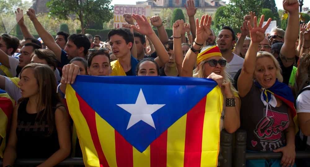 Photo of احتجاجات في برشلونة ضد استقلال كتالونيا عن إسبانيا