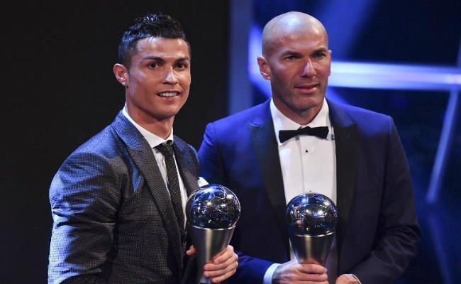 Photo of كريستيانو رونالدو أفضل لاعب في العالم لعام 2017