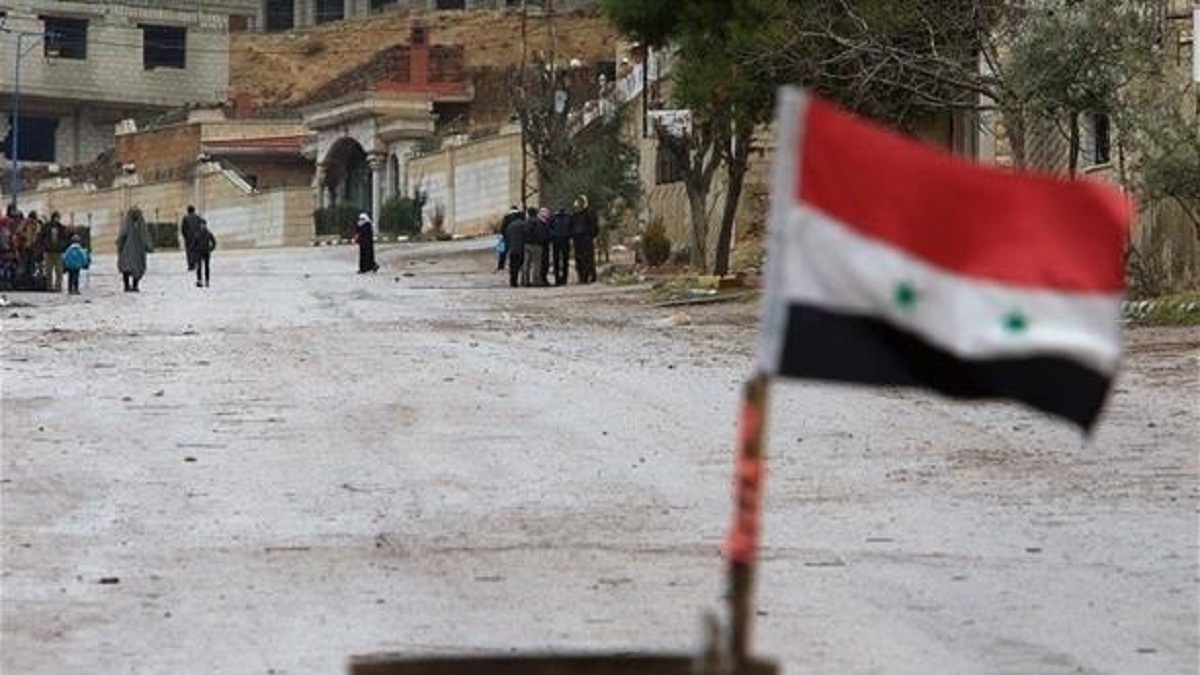 Photo of الجيش يحرر حيي العرفي والعمال بدير الزور