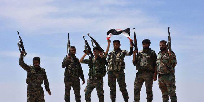 Photo of الجيش يؤمن طريق «أثريا -خناصر» بعمق 15 كم