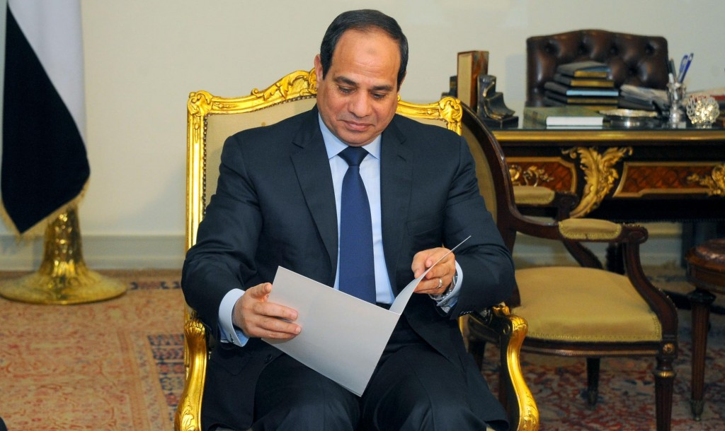 Photo of السيسي: مصر ترفض التدخل العسكري ضد إيران وحزب الله