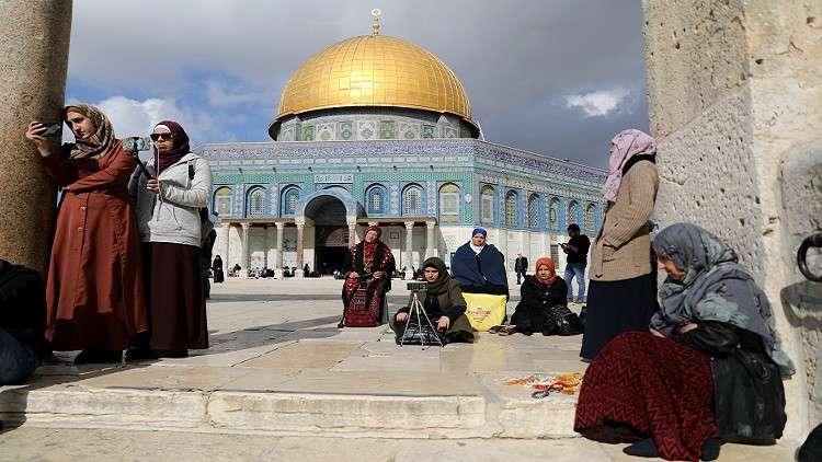 Photo of مستوطنون يقتحمون المسجد الأقصى مجددا
