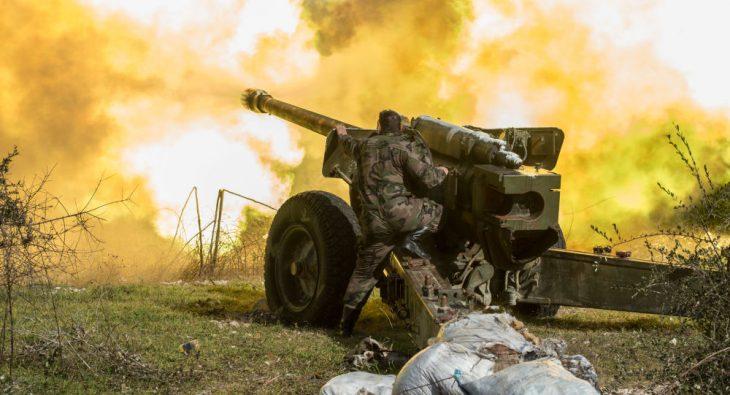 Photo of الجيش و بقوة المدفعية الثقيلة والطيران الحربي يستعيد نقاطه في ريف حماه