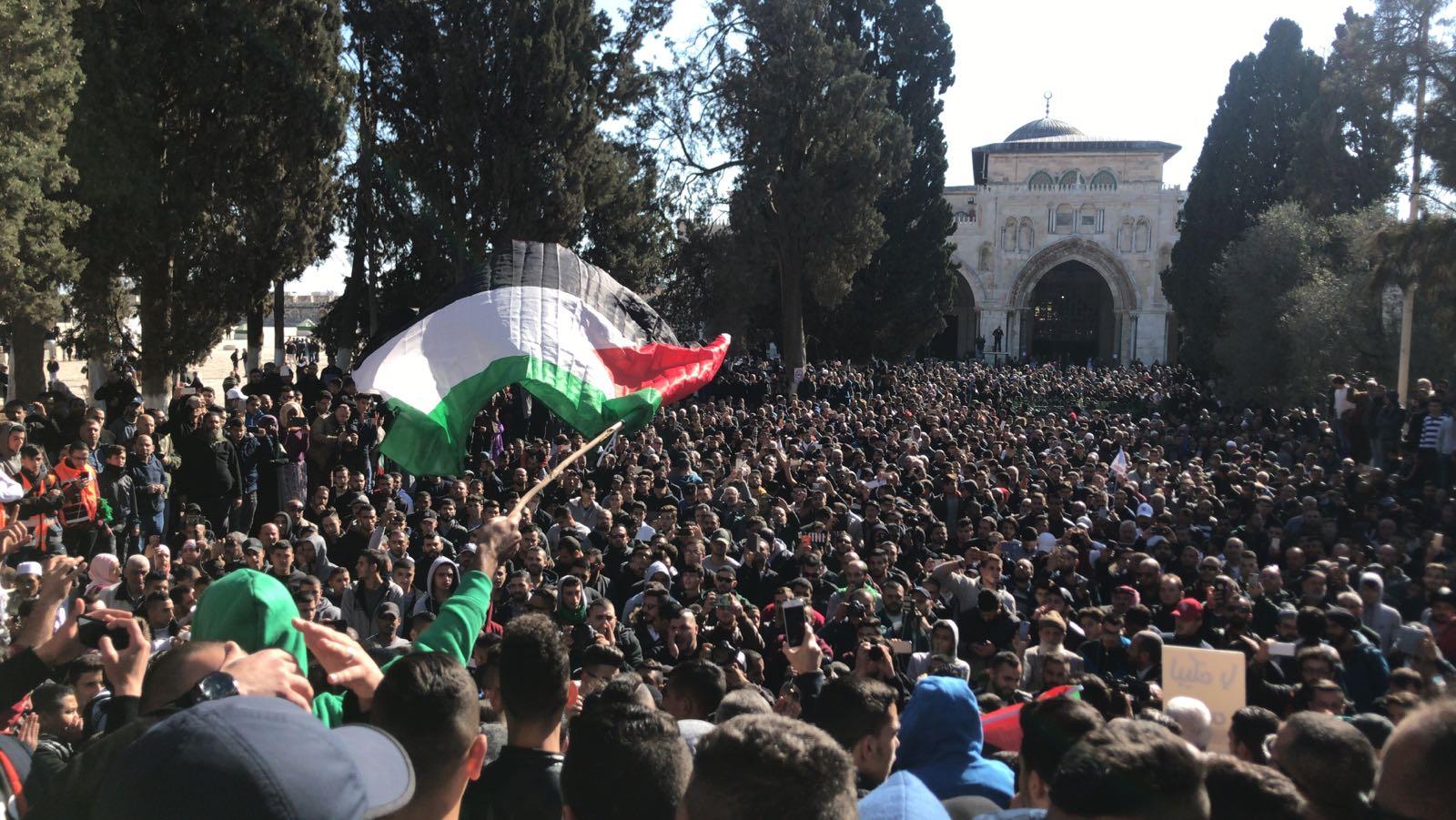 Photo of بالصور – مظاهرات تعم المدن والقرى الفلسطينية تنديداً بقرار ترامب