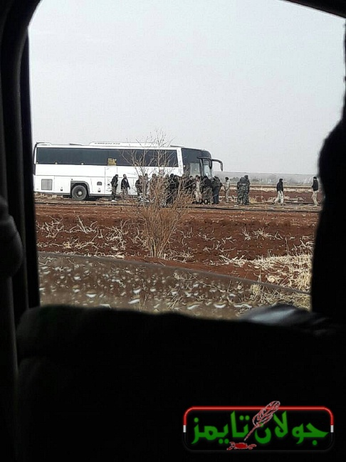 Photo of Evacuation of tens of gunmen and some of their families from Beit Jinn area