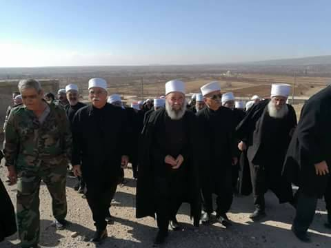 """Photo of """"مشايخ جبل الشيخ"""" يزورون """"مغر المير"""" المحررة"""