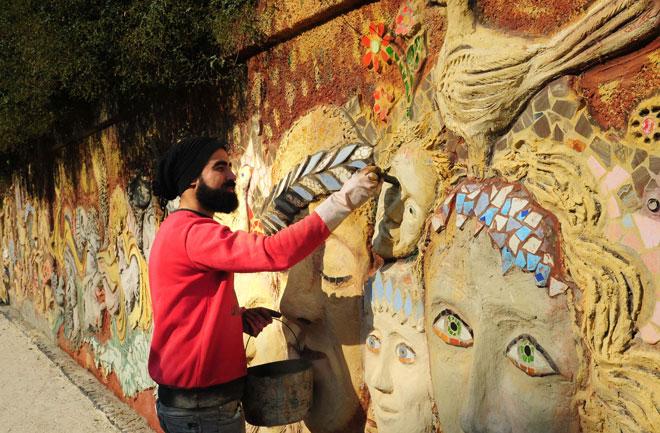 Photo of A six-meter mural adorns Damascus's Dar al-Salam School