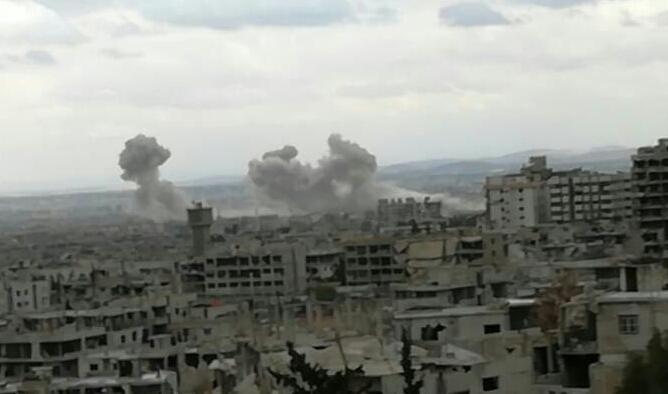 """Photo of """"معركة الغوطة""""…نيران الحق تستهدف الإرهاب بالغوطة (فيديو)"""