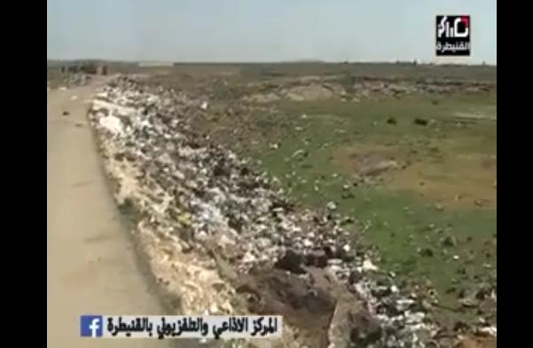 Photo of غياب خدمات الصرف الصحي والنظافة في تجمع سعسع للنازحين (فيديو)