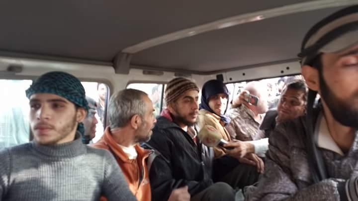 Photo of فيديو- المخطوفين المحررين من عربين