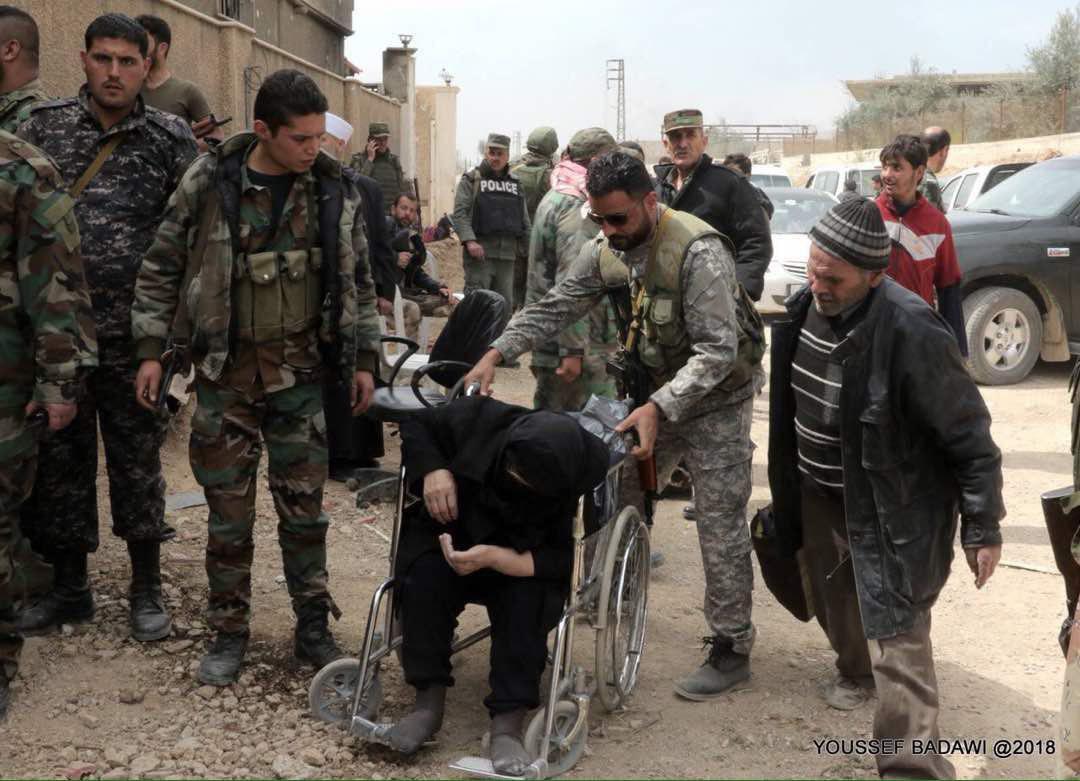 Photo of خروج 12500 مدني من الغوطة صباح اليوم