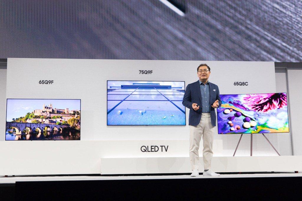 Photo of سامسونج تكشف عن تشكيلة أجهزة تلفاز QLED لعام 2018 خلال First Look Event في نيويورك
