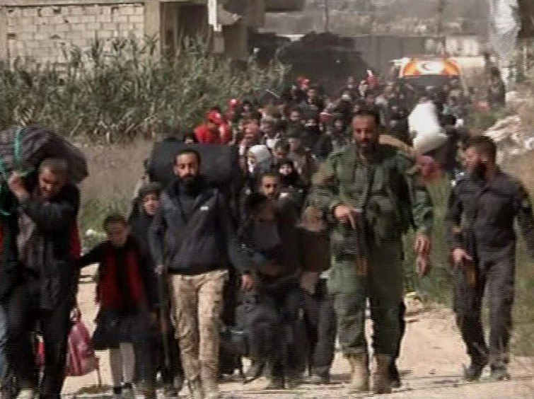Photo of خروج 3400 مدني من الغوطة هذا الصباح