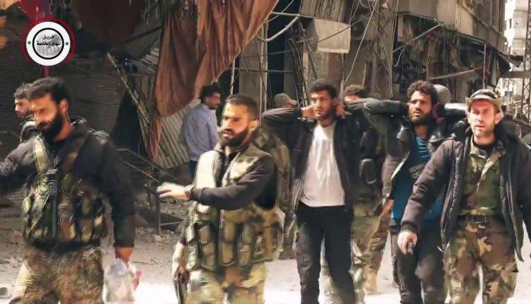 """Photo of """"فيلق الرحمن"""" يستسلم للجيش في كفربطنا بالغوطة الشرقية (فيديو )"""