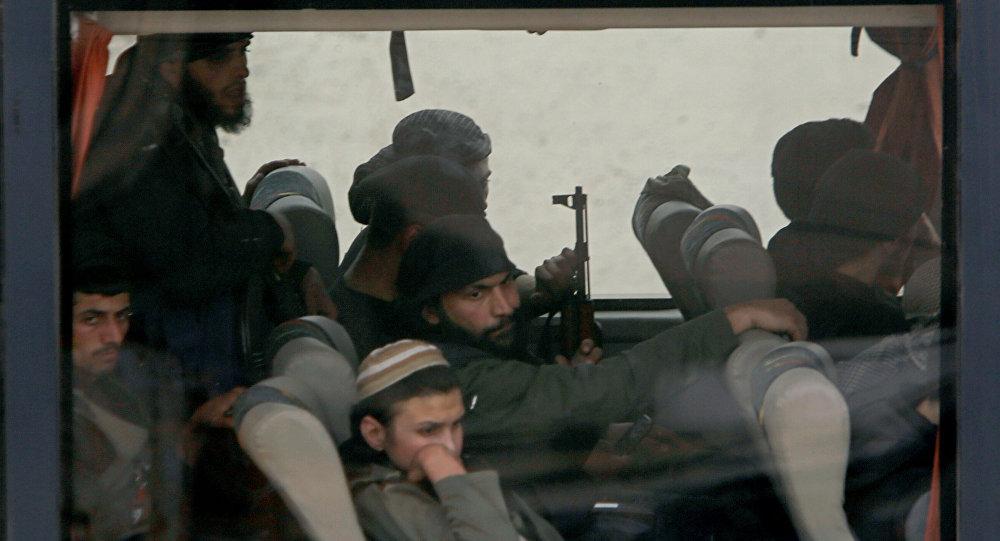 Photo of اتفاق يقضي بترحيل إرهابيي دوما إلى جرابلس وتسليم المخطوفين كافة