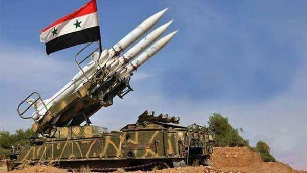 Photo of الدفاعات الجوية تتصدى لصواريخ اسرائيلية