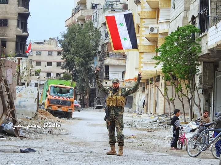 "Photo of قوات الجيش تبدأ بدخول ""مزارع دوما"""