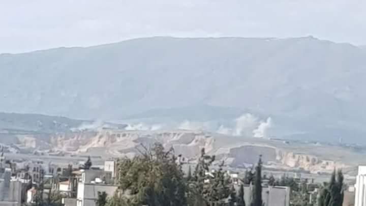Photo of شاهد بالفيديو استهدفات الجيش لمنصات اطلاق القذائف بجباتا الخشب بالقنيطرة