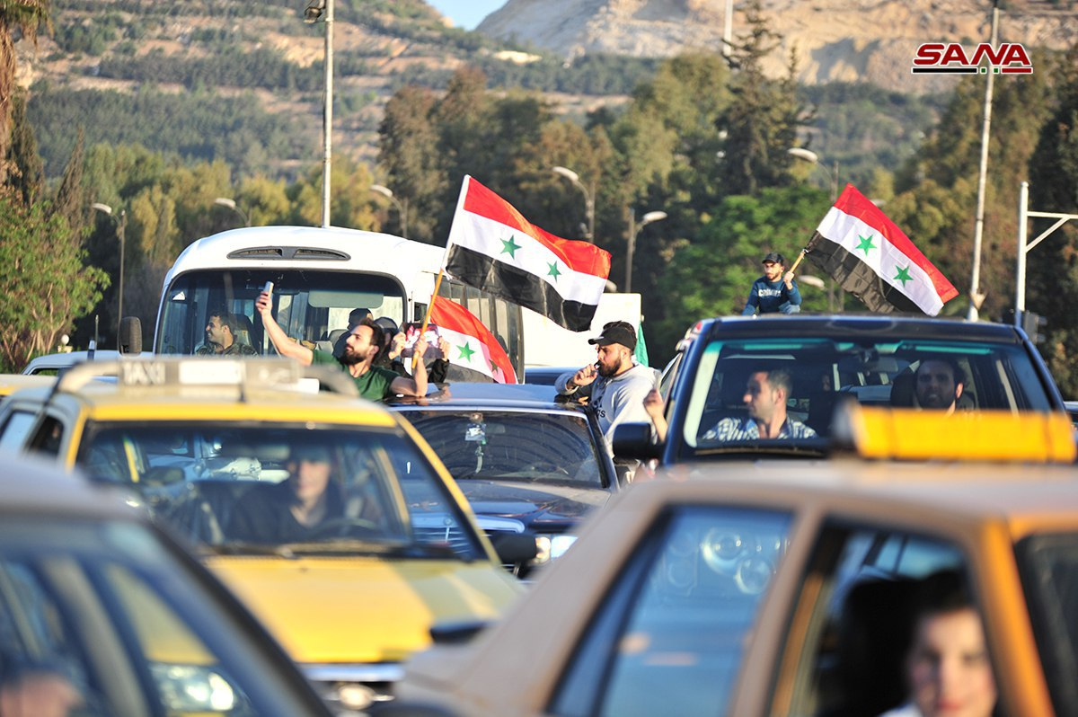 Photo of رداً عالعدوان الثلاثي.. مسيرات بساحة الأمويين