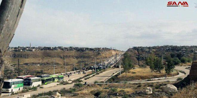 Photo of الرحيل إلى الشمال.. قافلة جديدة من إرهابيي حماة وحمص تغادر الرستن