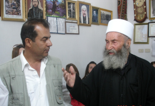 Photo of (فيديو) كلمة الشيخ ابو منصور فضل الله نمور، رئيس اللجنة الدينية الوطنية في جبل العرب الى الاهل في الداخل