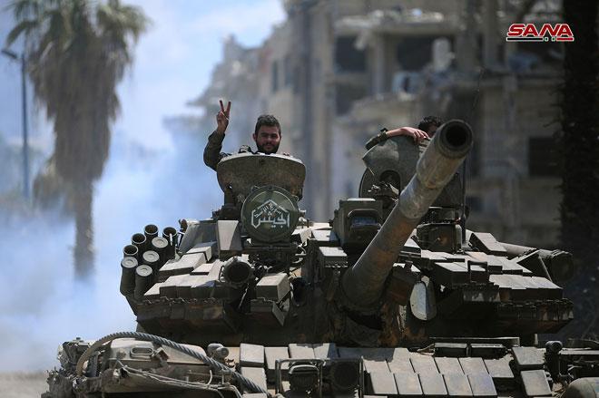 Photo of عمليات دقيقة ينفذها الجيش ضد مقرات داعش بالحجر الأسود
