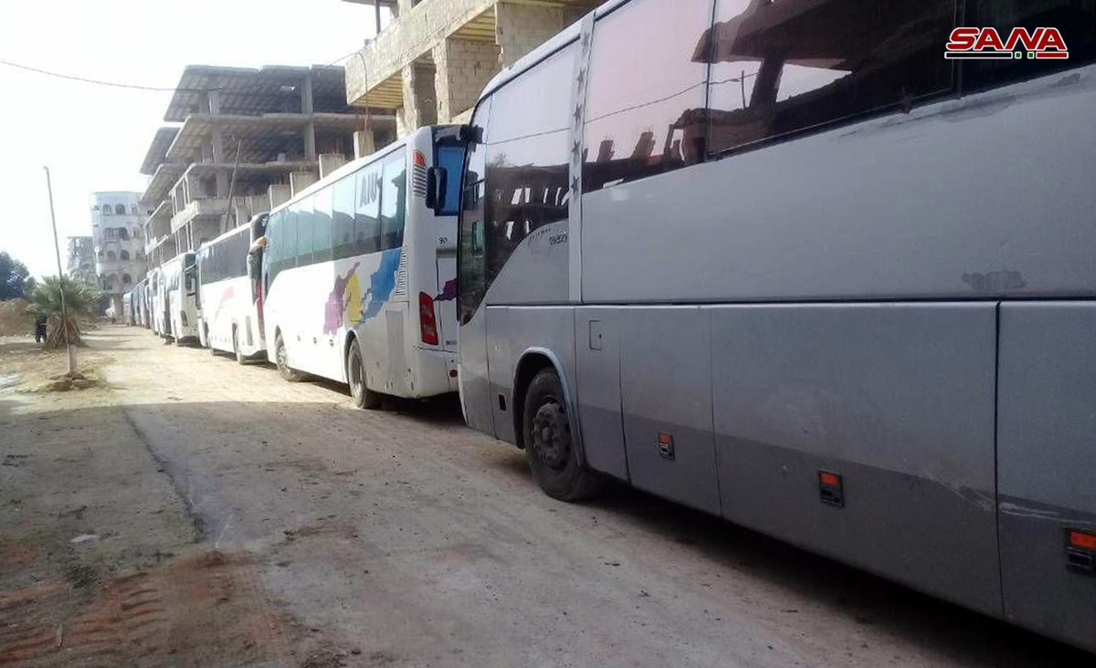 Photo of Buses enter al-Rastan city to transport first batch of terrorists to northern Syria