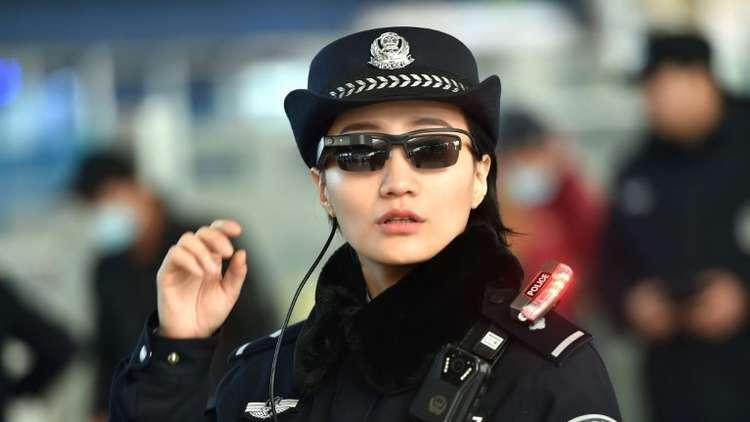 Photo of سيدة صينية تبنت 118 يتيما وجمعت من ورائهم ثروة طائلة!