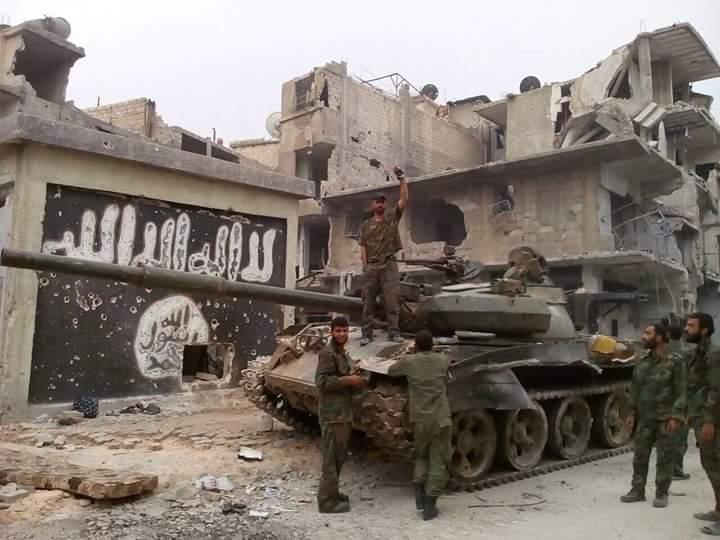 Photo of مصادر إعلامية: الجيش يطبق على فلول الإرهابيين ويلاحقهم في حي الحجر الأسود