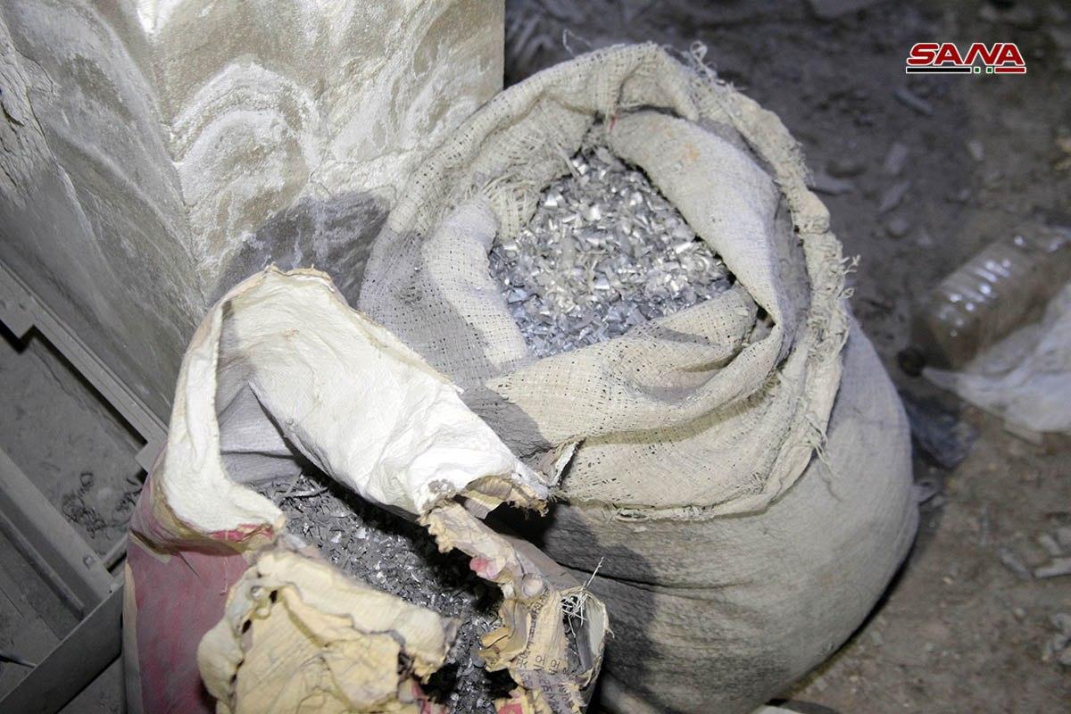 Photo of صور- أنفاق لداعش ومعمل لتصنيع العبوات الناسفة بالحجر الأسود