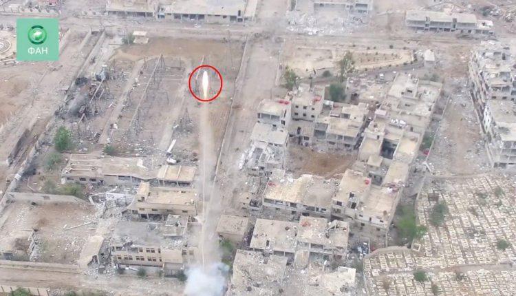 Photo of إطلاق صاروخ UR-83P على مواقع داعش بمخيم اليرموك(فيديو)