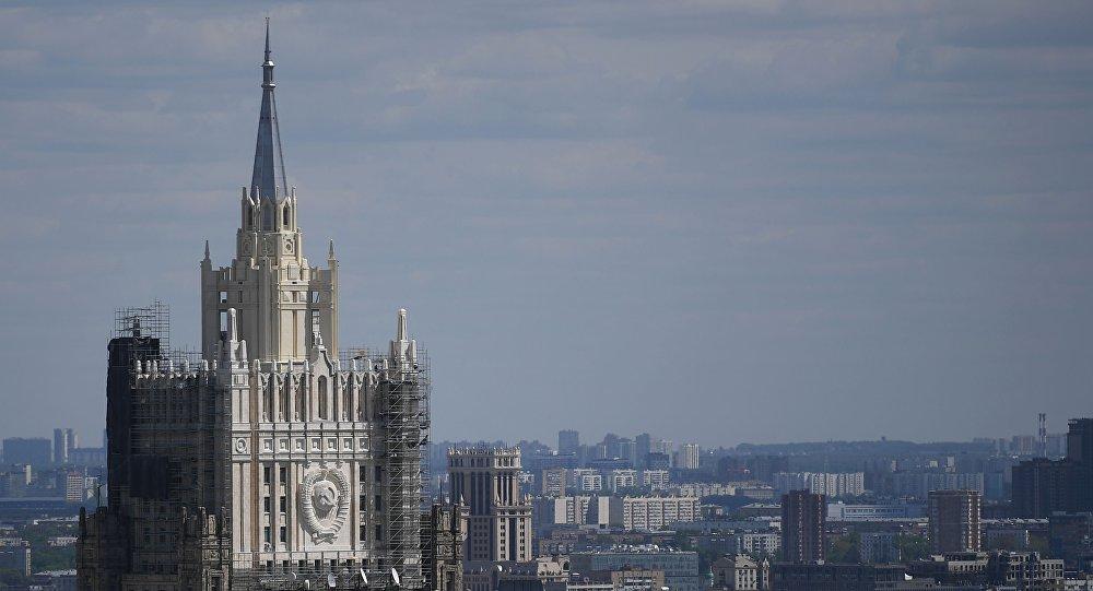 "Photo of روسيا تصف العقوبات الامريكية الجديدة بـ ""التهور السياسي"""