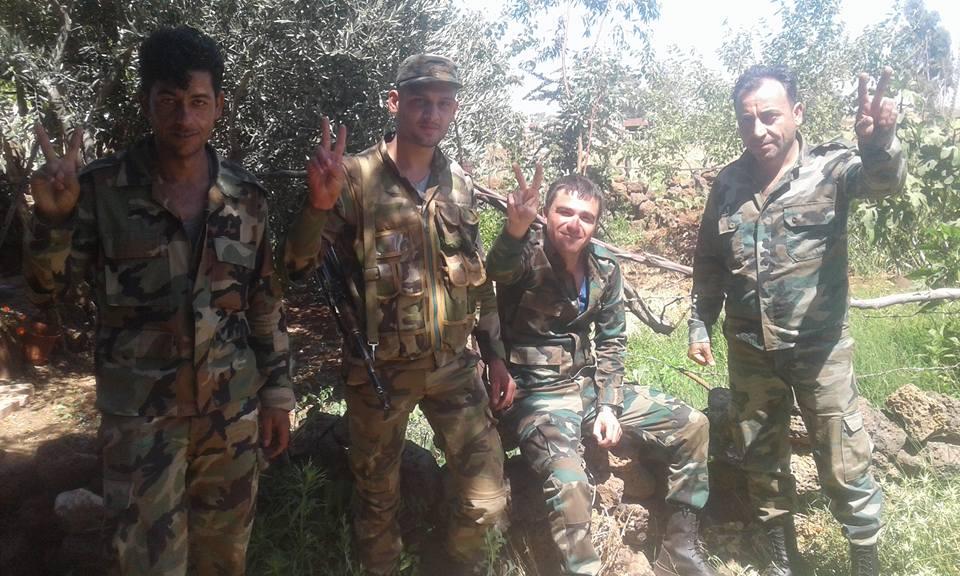 """Photo of مجموعة كبيرة من ما يسمى """"الجيش الحر"""" تنضم إلى لقوات الجيش العربي السوري بالجنوب"""