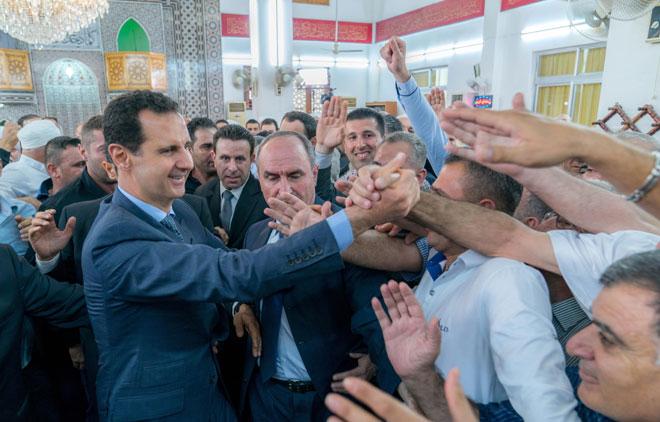 Photo of بالصور- يؤدي صلاة عيد الفطر بطرطوس