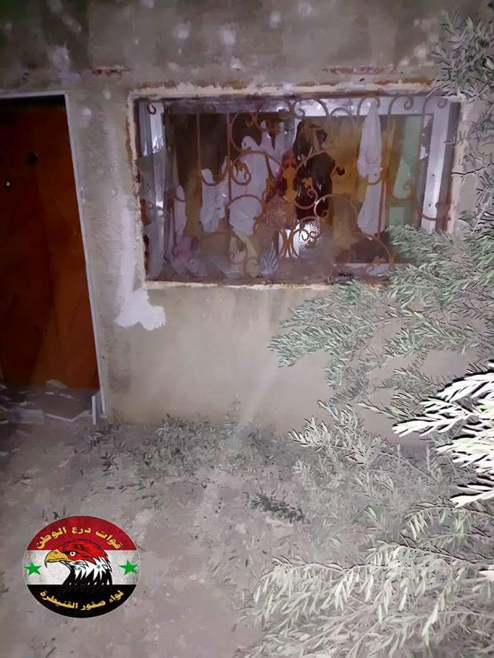 Photo of بالصور- أضرار مادية نتيجة قذائف إرهابية على بلدة خان أرنبة