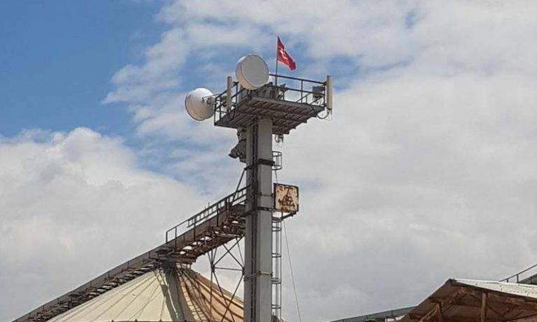 Photo of الاحتلال التركي يقيم أول برج تغطية خلوية لإحدى شركاته في إدلب