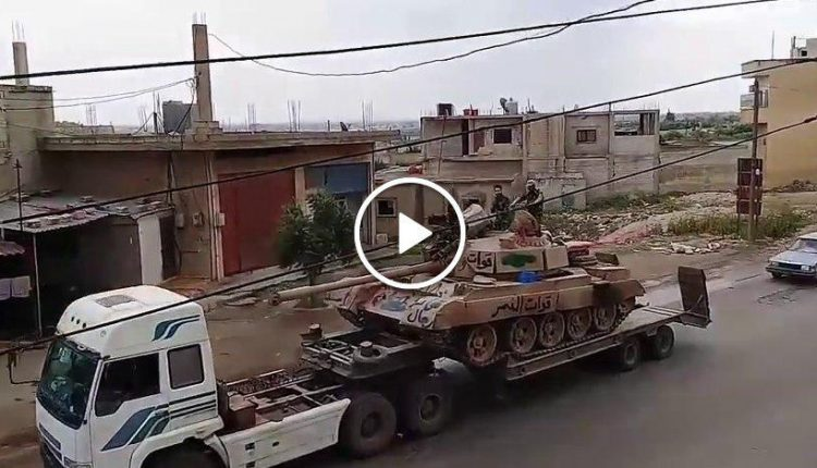 Photo of بالفيديو- أضخم رتل عسكري إلى درعا