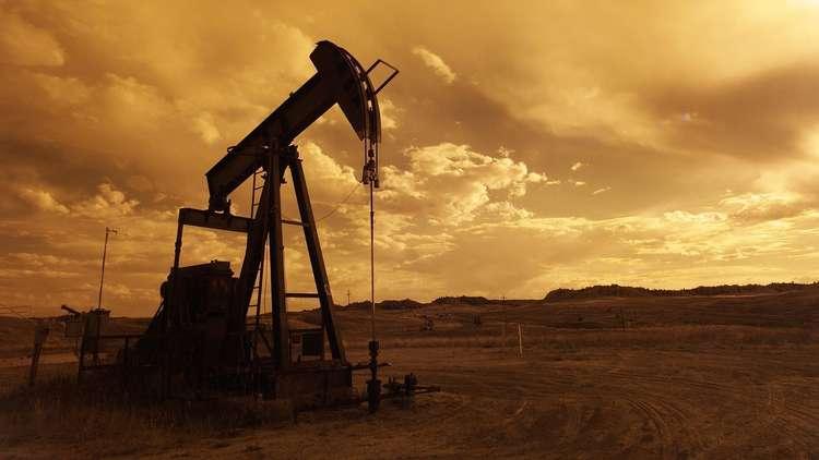 Photo of الأسد ينتزع من الأمريكيين حقول النفط