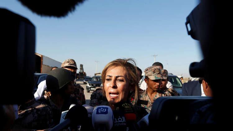 Photo of الناطقة باسم الحكومة الأردنية: الممرات الإنسانية مع سوريا لا تعني فتح الحدود