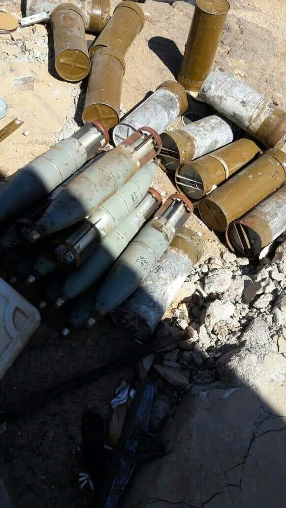 Photo of Syrian Army finds munitions and weapons left behind by Daesh terrorists in al-Bokamal's surroundings