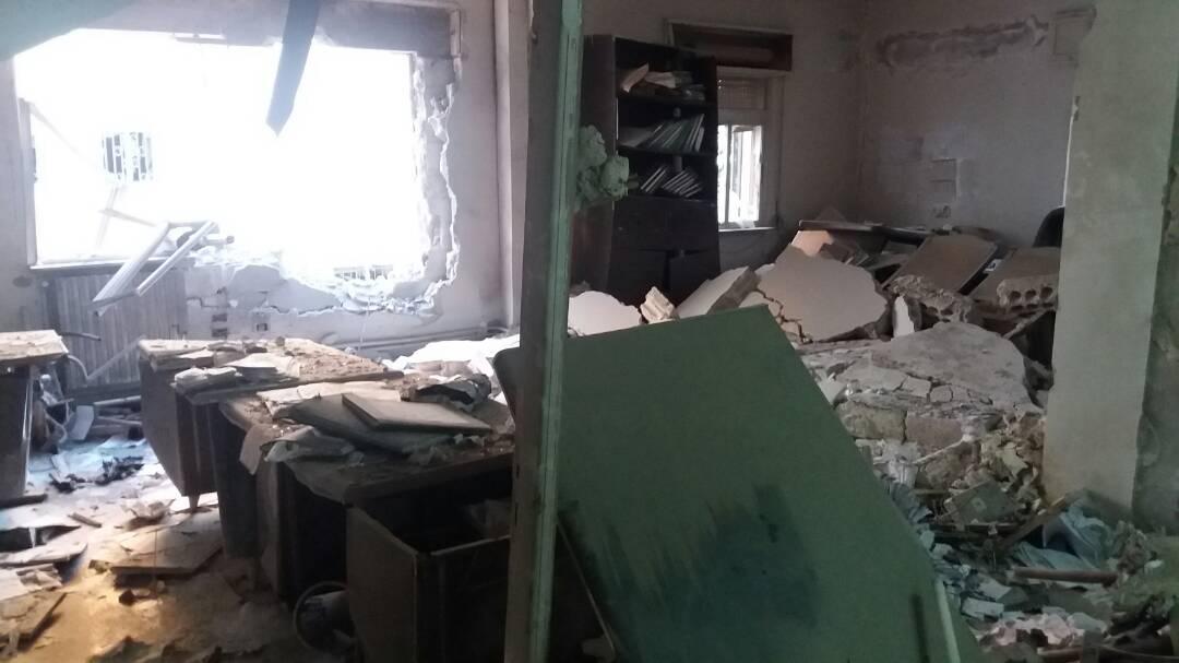 Photo of بالصور- أضرار مديرية الخدمات في مدينة البعث نتيجة إرهاب النصرة