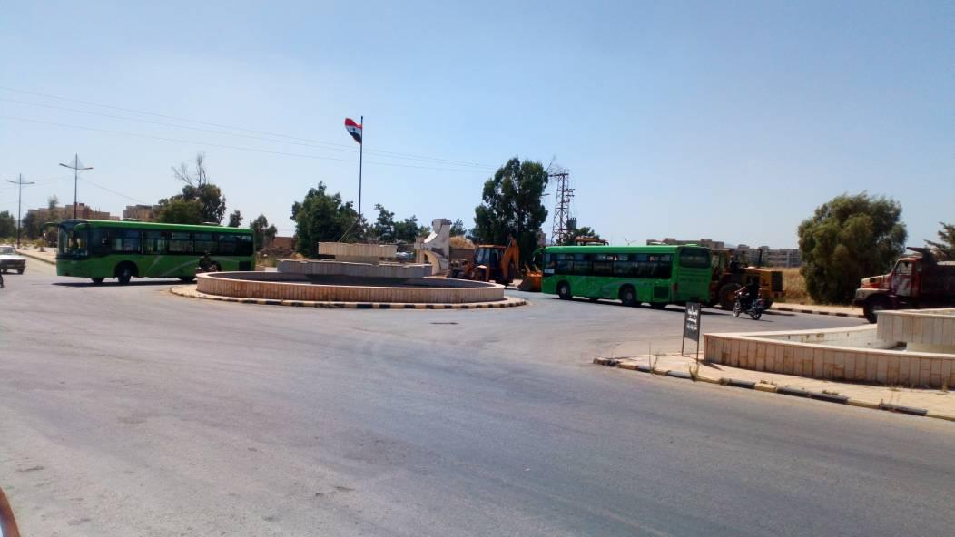 Photo of Buses enter Um Batina village in Quneitra countryside to evacuate terrorists