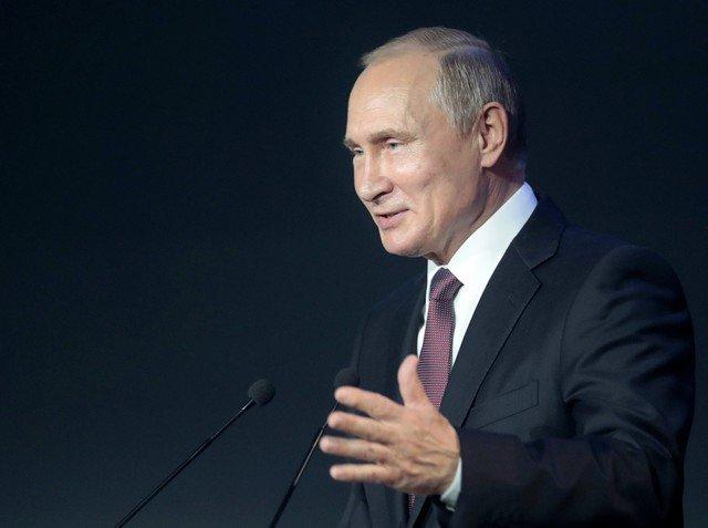 Photo of بوتين فخور بالفريق الروسي رغم وداع المونديال