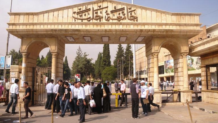 Photo of تراجع كبير لتصنيف الجامعات السورية بانخفاض 4000 درجة