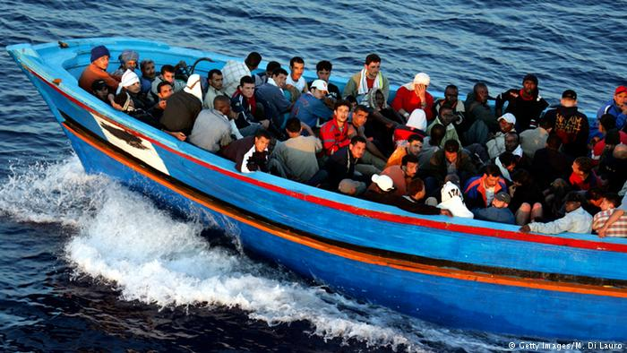 Photo of إيطاليا تهدد بإعادة عشرات المهاجرين العالقين إلى ليبيا
