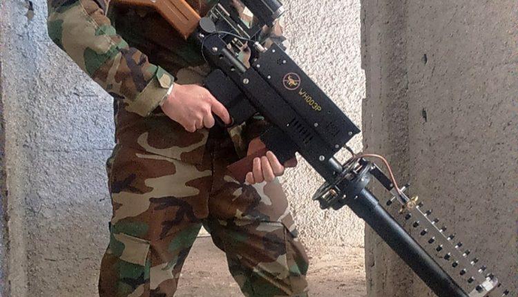 Photo of بالصور- سلاح جديد لاسقاط الطائرات المسيرة بيد الجيش السوري