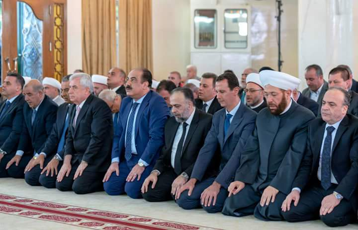 Photo of President al-Assad performs Eid al-Adha prayer at al-Rawda Mosque in Damascus